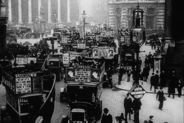 play video for Topical Budget: One Way Of Solving The Traffic Problem (1924)