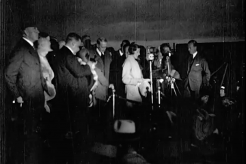 play video for Topical Budget: 'Johnnie's' Welcome Home, Croydon (1930)