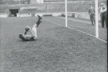 play video for Topical Budget: Donning Boots For The Soccer Season, Tottenham (1922)