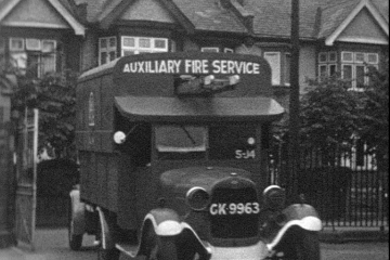 play video for AUXILIARY FIRE SERVICE PRACTICE IN ILFORD, ESSEX